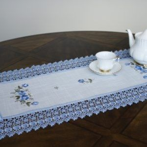 NEW Table Runner Dresser Scarf BLUE LACE ROSE
